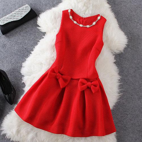 صورة لبس فستان احمر في المنام لابن سيرين