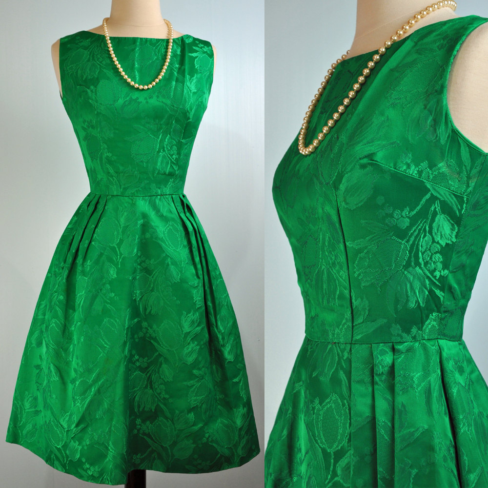 صورة تفسير حلم فستان اخضر