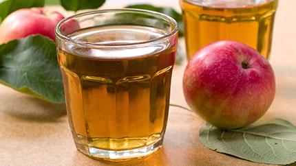 صورة طريقة عمل عصير التفاح الطبيعي