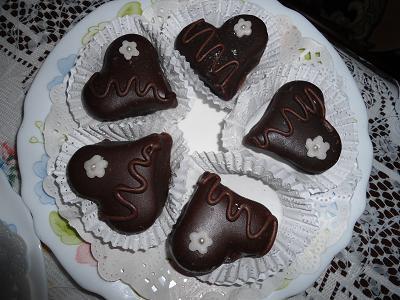 صورة حلويات قلوب بالشكلاطة