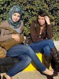 صورة صور بنات في الجامعة