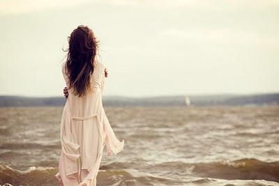 صورة بنات فرنسا على البحر