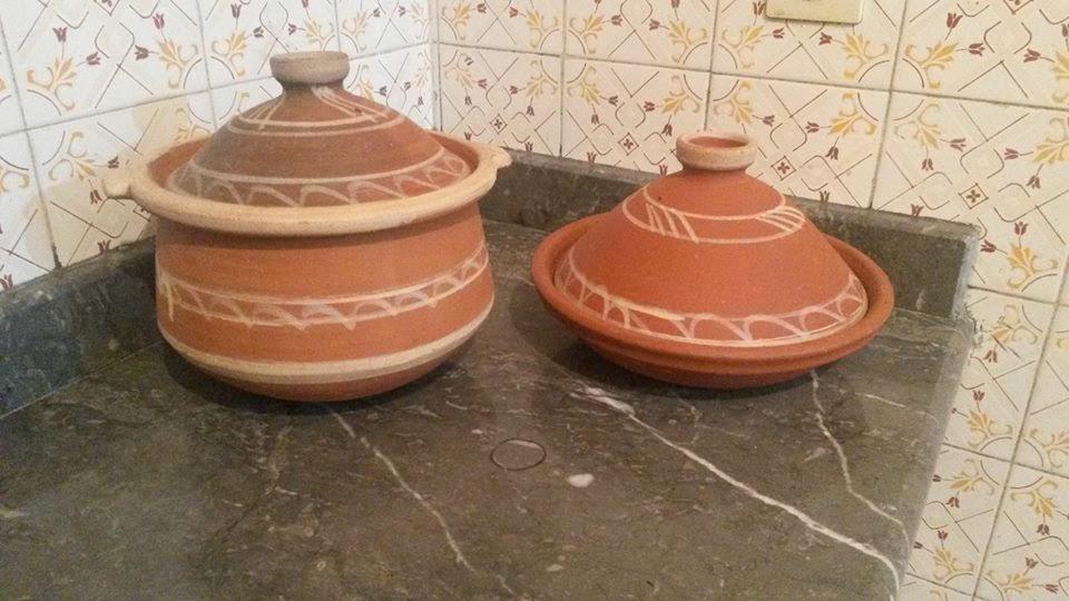 صورة كيف اقوم بتنظيف طاجين الطين المغربي من الرائحة