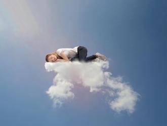 صورة النوم القهري اسبابه