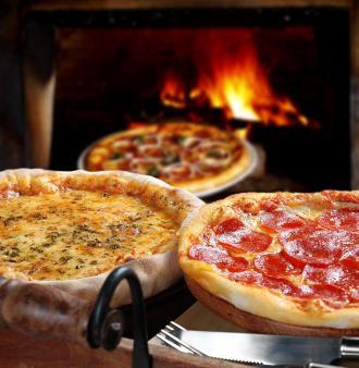 صورة كيفية تزيين عجينة البيتزا الجزائرية