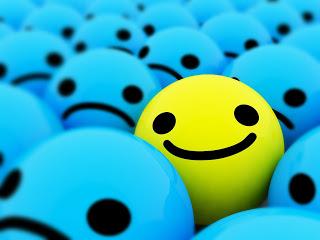 صورة مقولات عن الابتسامة