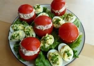 صورة طريقة سلطة الطماطم المحشية