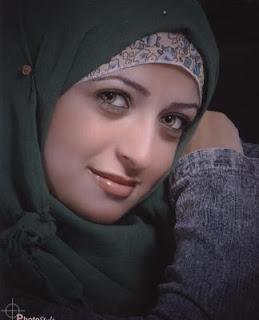 صورة صورة بنت جميلة محجبة