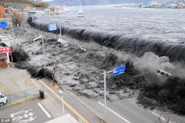 صورة صور اعصار تسونامي اليابان