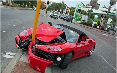 صورة تفسير حلم حادث السيارة